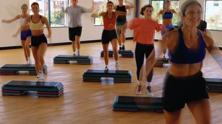 Step aerobics offers a fun and effective workout for all fitness levels. It provides a cardiovascular workout to improve heart and lung health and burns calories for weight loss. A variety of step aerobics moves can be put together to form routines ranging from low to high impact, and varying in complexity.