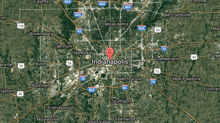 If you spend enough time in a cosmopolitan city like Indianapolis, you're likely to see your money fly by quicker than a car at the Indy 500, even during a seemingly innocuous weekend getaway. The capital city, however, provides a host of cheap and sometimes free attractions, many of which are in the lively downtown region. Whether you're in town on a family fun vacation or a romantic excursion for two, Indianapolis' collection of cultural venues and more than 200 parks serve as the building blocks for a cheap weekend getaway. Many of the prices for these sights are based on information at the time of publication, January 2014.