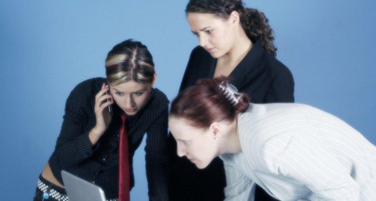 Trabajar en equipo puede resolver los problemas con mayor facilidad.