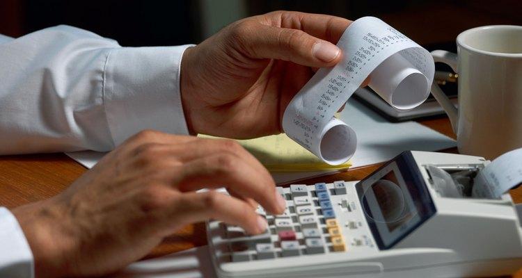 Cálculo de gastos e ingresos.
