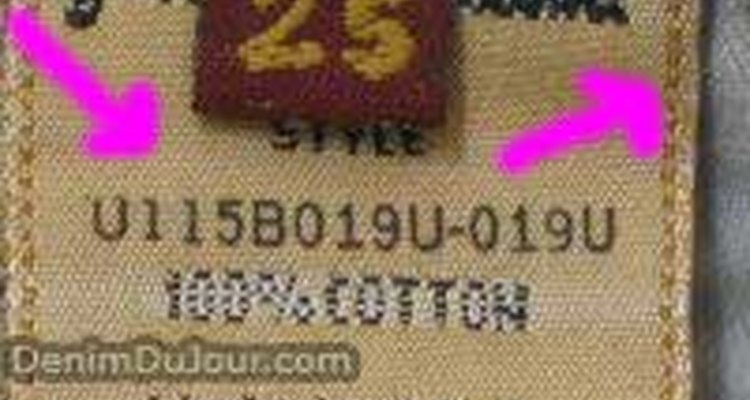Stitching and off-white colour of an authentic size tag