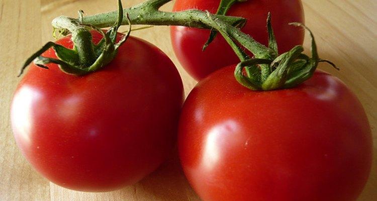 Aprende a guardar los tomates para aprovecharlos mejor.