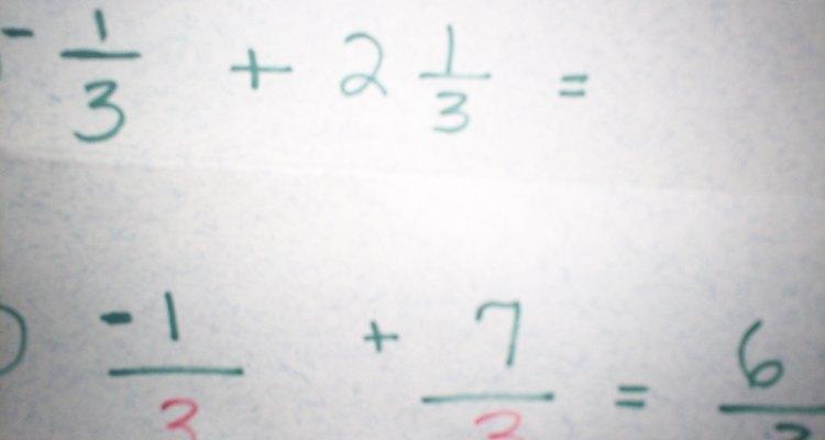 Suma fracciones con números negativos.