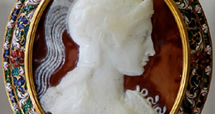 Sardonyx cameo (c.1st Cen AD, setting c. 17th cen), (photo: public domain)