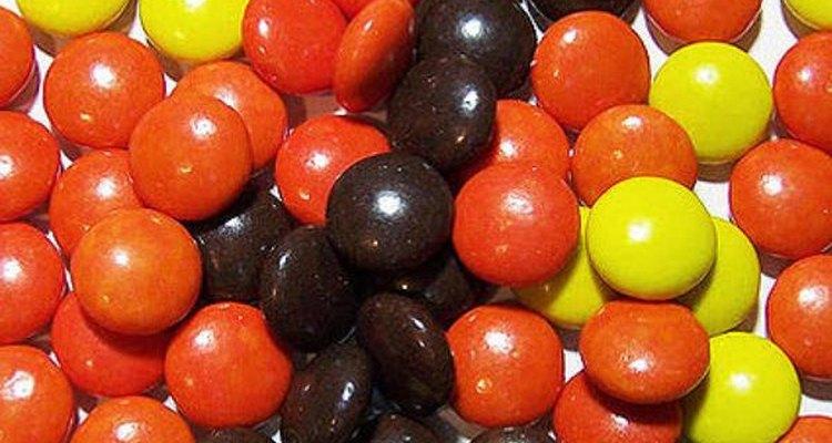 Los Reese's Pieces tienen aceite vegetal parcialmente hidrogenado.