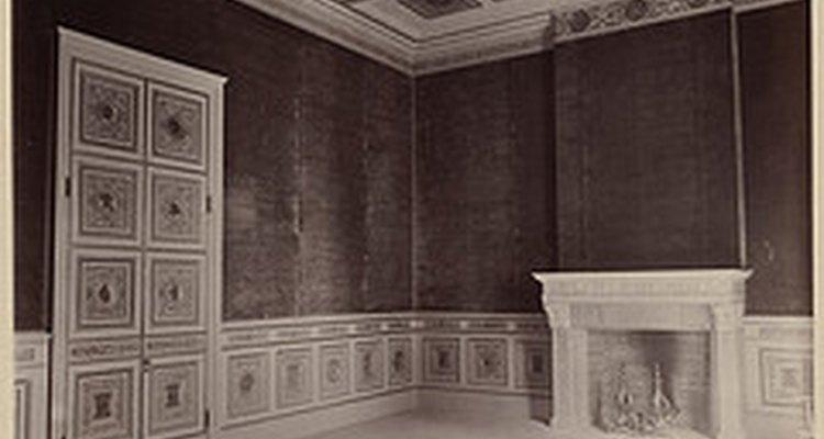 Cubrir las paredes interiores con telas puede ser un acierto decorativo.