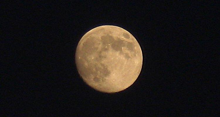 Luna Tazi Vecer
