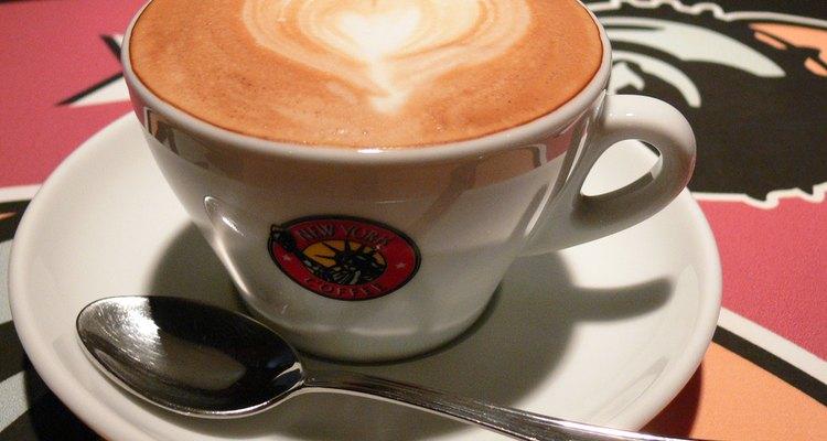 La proporción exacta entre el café y el agua es vital para el sabor perfecto.