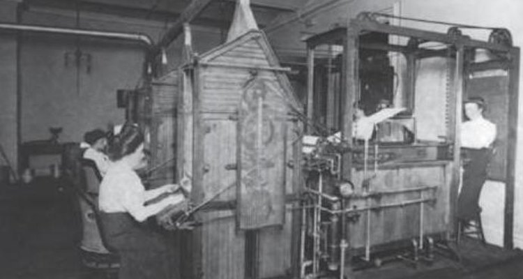 In the early 20th century, the U.S. Department of Treasury invented a money-washing machine that cleaned and dried more than 35,000 notes per day.