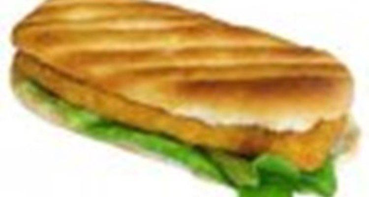 Uma ótima ideia para adicionar sardinhas à sua dieta é com sanduíches