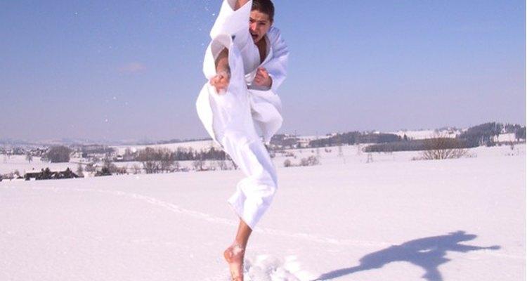 As artes marciais se compões de vários estilos de luta