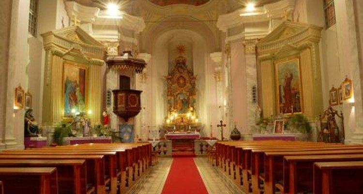 El santuario contiene el altar.