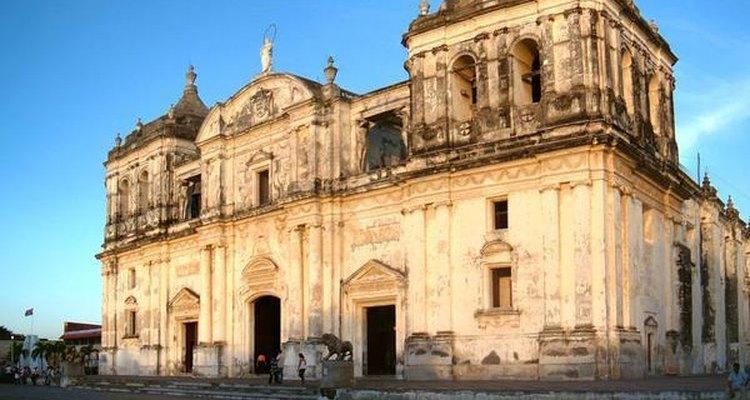 La Catedral de León es una de las más grandes de Centroamérica.