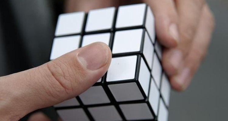 El cubo mágico monocolor un desafío... ¡a evitar el aburrimiento!