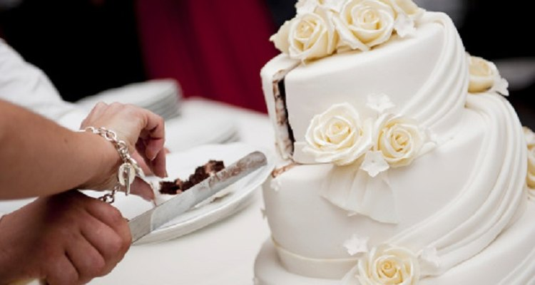 Fondant's elegant appearance makes it a popular choice for wedding cakes.