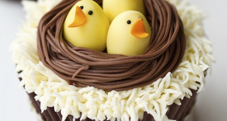 Easter themes include bunnies, chicks, spring colours and eggs.