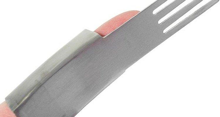 Una infancia triste habría sido el disparador para crear los tenedores para dedos.