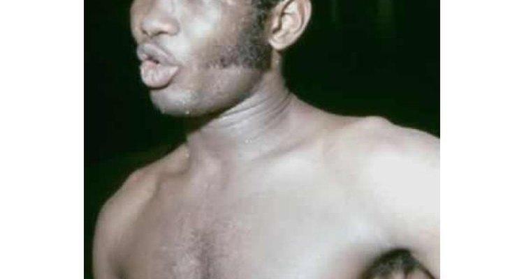 Rocky Valdez, el único campeón de boxeo en el peso mediano que ha tenido Colombia.