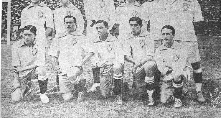 A seleção brasileira de futebol fez sua primeira partida em 1914
