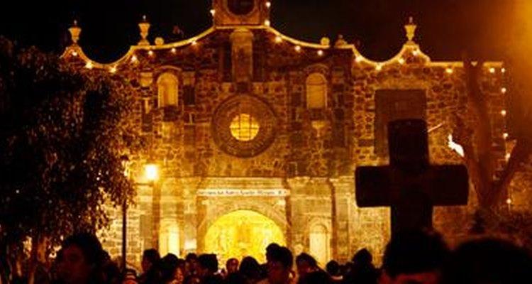 Los fieles abarrotan la Parroquia San Andrés Apostol Míxquic durante estas fechas.