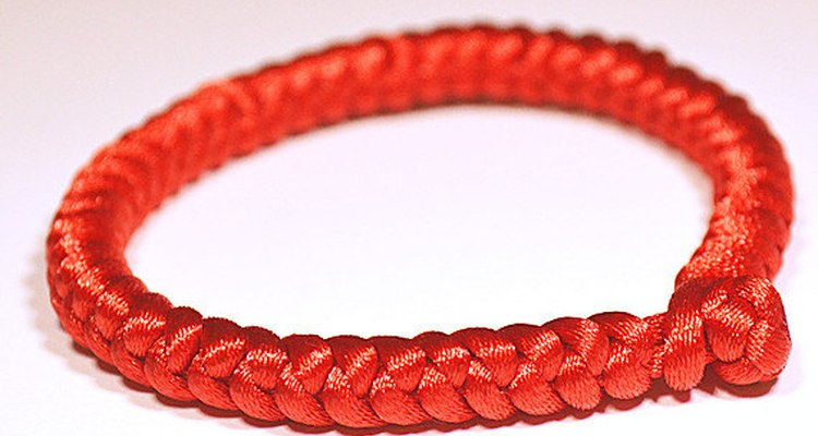Chinese knot bracelets are easy to make.