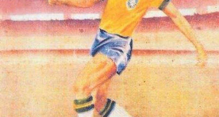 Até a Copa de 1950, o Brasil jogou com camisas brancas e calções azuis