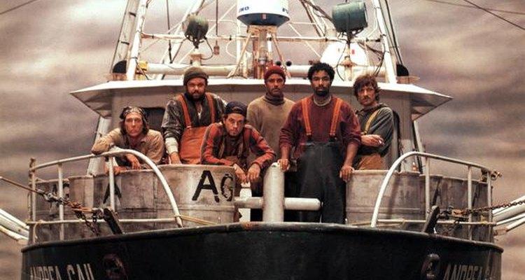 Equipo de pescadores a bordo del Andrea Gail.