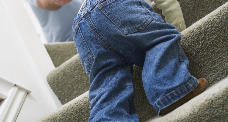 Keeping stair carpet trim requires careful stapling.