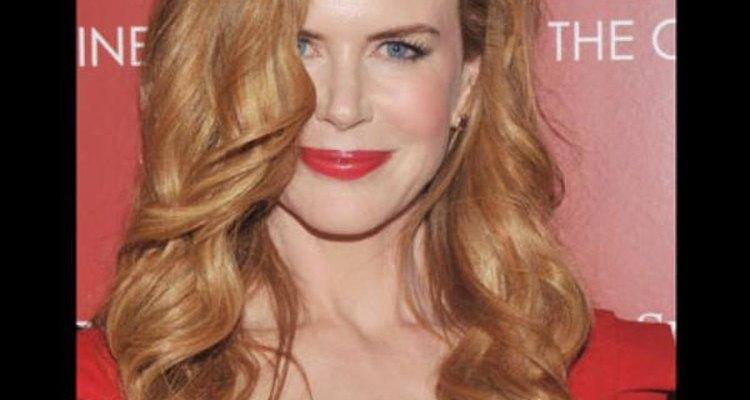 Nicole Kidman elige una exquisita combinación para su cremoso tono de piel con el rubio-fresa de su cabello.