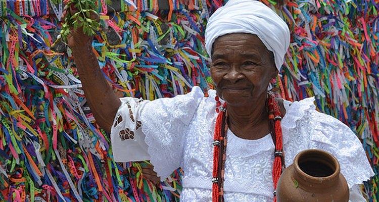 Los brasileños usan vestimenta tradicional para ocasiones especiales.