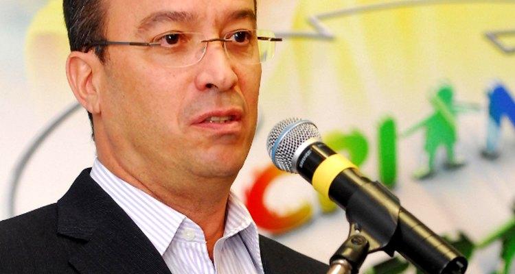 Os irmãos João Roberto, Roberto Irineu e José Roberto Marinho controlam a empresa de capital fechado Rede Globo