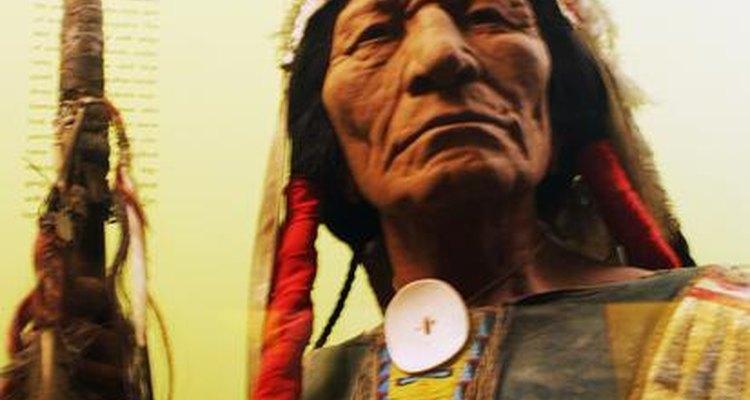 Los indios apaches luchaban para obtener tierras y alimentos de tribus vecinas.