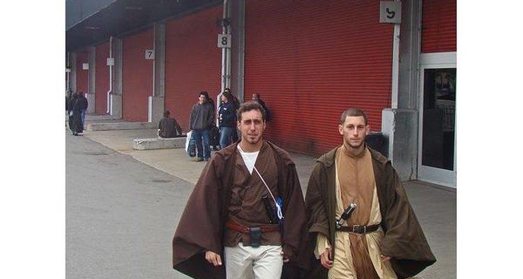 Fans de Star Wars disfrazados de Jedis.
