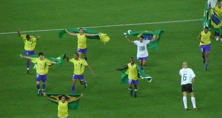 A década de 1990 e o começo do século 21 foram os anos de retomada da hegemonia brasileira no futebol.