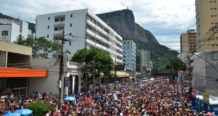 """O bloco """"Suvaco do Cristo"""" foi criado por um grupo de amigos que pretendia juntar gente amiga e se divertir pelo Rio"""