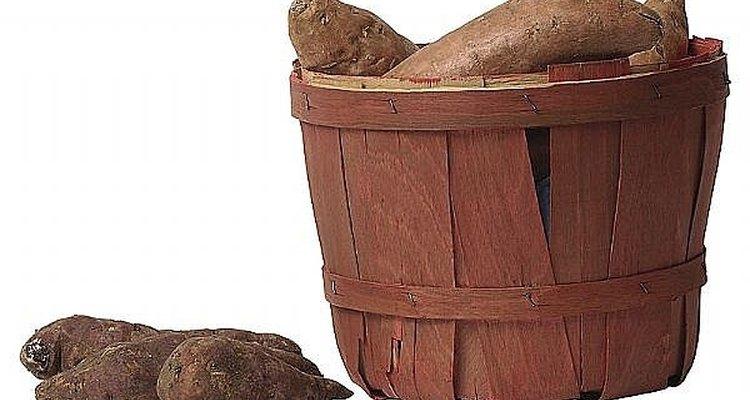 Cocinar batatas.