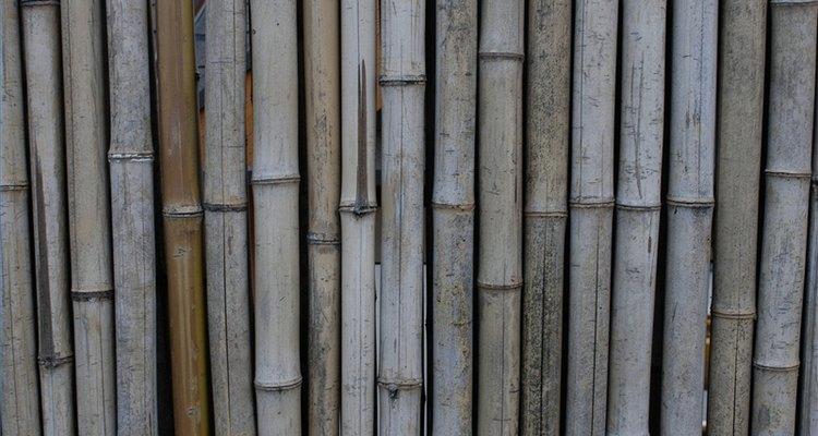 Hacer una cerca de bambú.