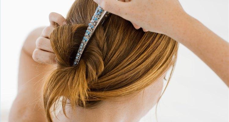 Utilize um bico de pato para cabelos médios a longos