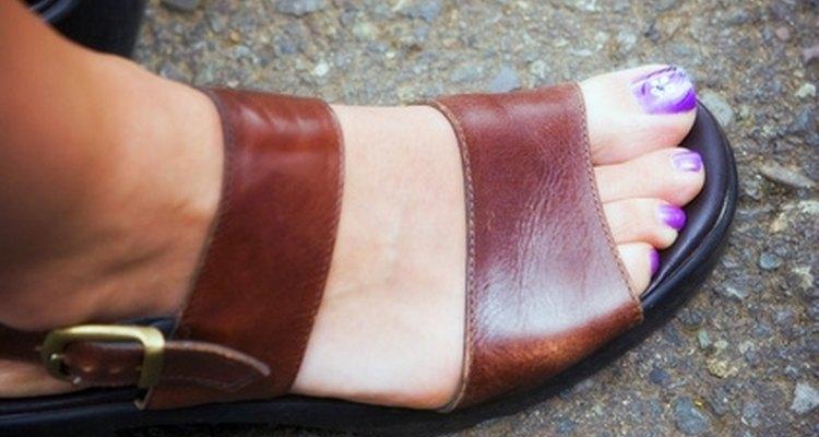 Laceie sandálias de couro