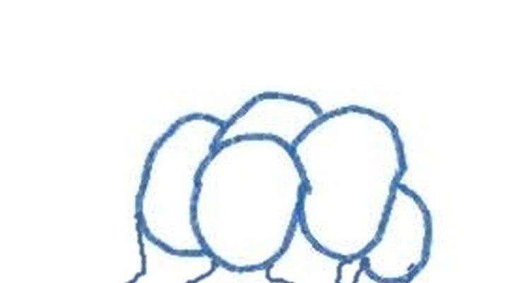 As pessoas mais ao fundo são menores no desenho porque estão em perspectiva