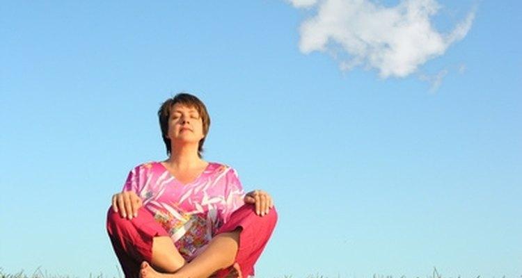 La meditación puede poner tu mente en blanco y abrirte a recibir a los espíritus.