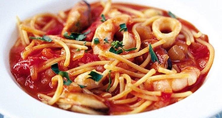 Puedes añadir tantos tipos de mariscos a este plato básico como quieras.
