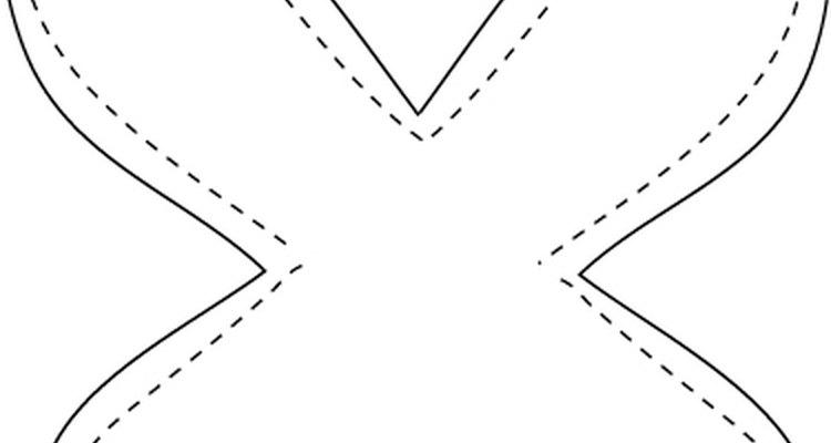 Exemplo de como cortar o centro da cartolina