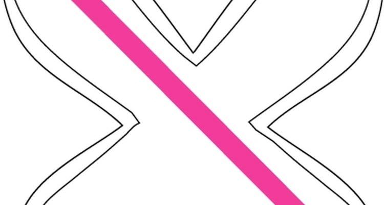 Exemplo de como esticar e colar o papel crepom