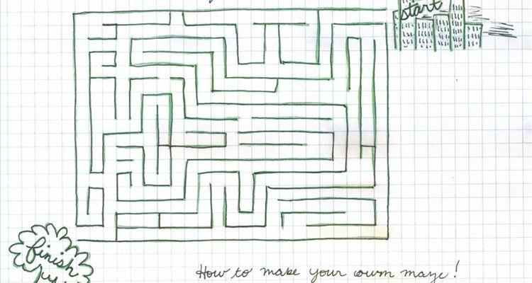 Uma história e desenhos complementam um jogo de labirinto
