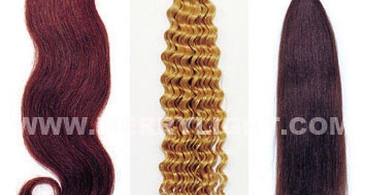 Cómo remover extensiones de cabello pegadas.