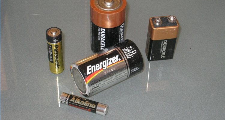 Diversos formatos de pilhas alcalinas