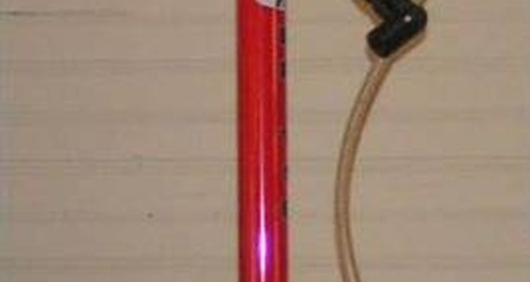 Essa bomba de chão tem os mesmos componentes das de quadro ou de pé