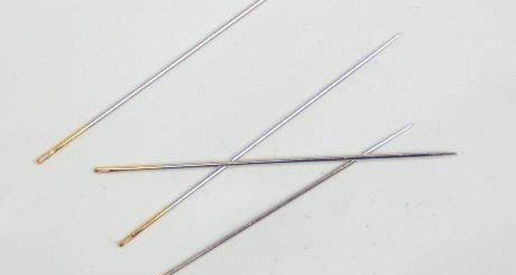Utilize uma agulha especial para miçangas para facilitar o trabalho