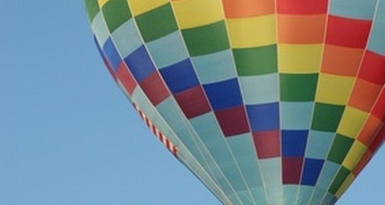 Balões chineses funcionam com os mesmos princípios dos balões de ar quente
